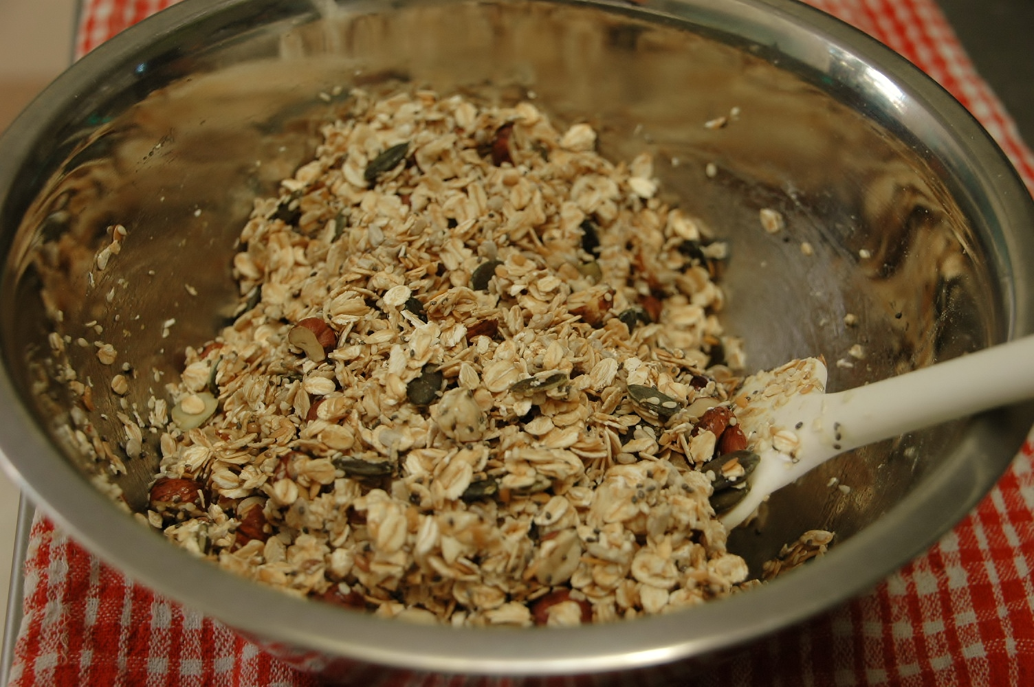 Mix syrup through muesli